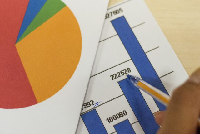 Estatística promove oficinas de auxílio a professores do ensino básico