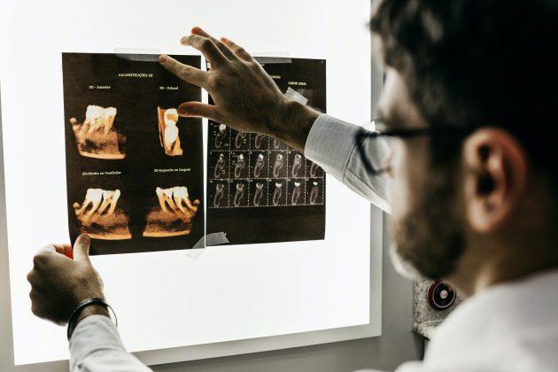 Odontologia da UFJF-GV é premiada em evento da Sociedade Brasileira de Pesquisa Odontológica