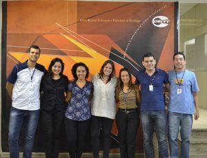Equipe do setor de Transferência de Tecnologia do Critt e as agentes do ProNUTTI durante visita ao Centro