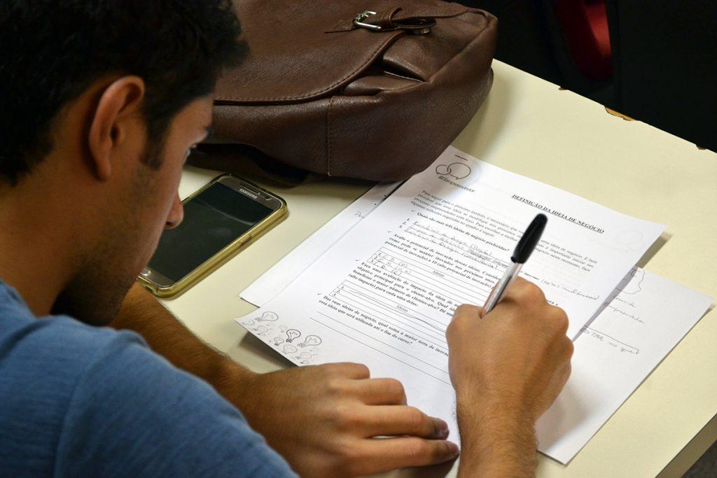 Participantes colocaram ideias no papel e apresentaram um pitch. Fots: Lucas Guedes/UFJF
