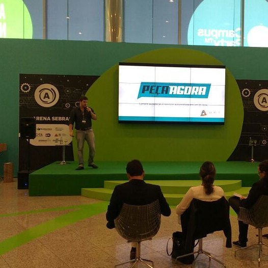 Bronté apresentou um dos produtos da empresa, o Peça Agora. Foto: Arquivo Pessoal