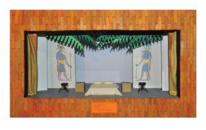 Do palco para as maquetes, a mostra desperta nos visitantes uma experiência lúdica