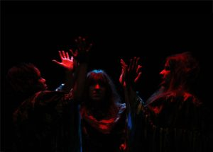 Bruxas_Costurando-Shakespeare-(Mergulhão-2014)_web