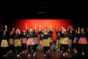 O espetáculo deu ao elenco adolescente a chance de unir corpo e coração em evoluções coreográficas