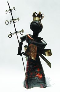 Oxalá, confeccionado em metal, artista Beto, origem Bahia (Foto: Franciane Lúcia)