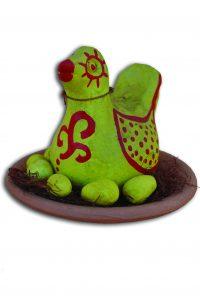 Em destaque, obra feita em cerâmica.