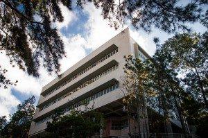Nova biblioteca setorial atende aos cursos de exatas e engenharias (Foto: Caíque Cahon)