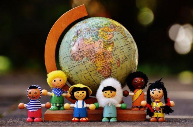 Estudantes estrangeiros contam como tem sido a rotina longe de seus países
