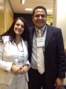 na foto, a gerente do PEC-G da UFJF, Carla Visentin com o Coordenador nacional do programa junto ao MEC, Hilton Batista.