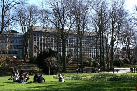 A Universidade de NAMUR estáprocurando por pesquisadores de Pós-Doutorado