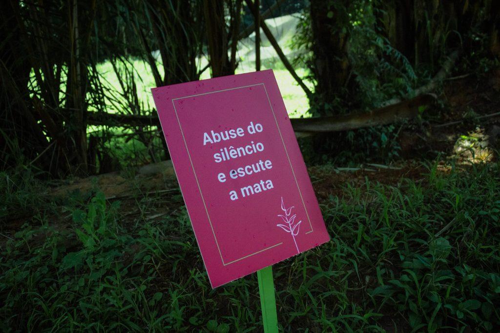 placa_silencio_jardimbotanico_ufjf__Foto_MariaOtaviaRezende_UFJF