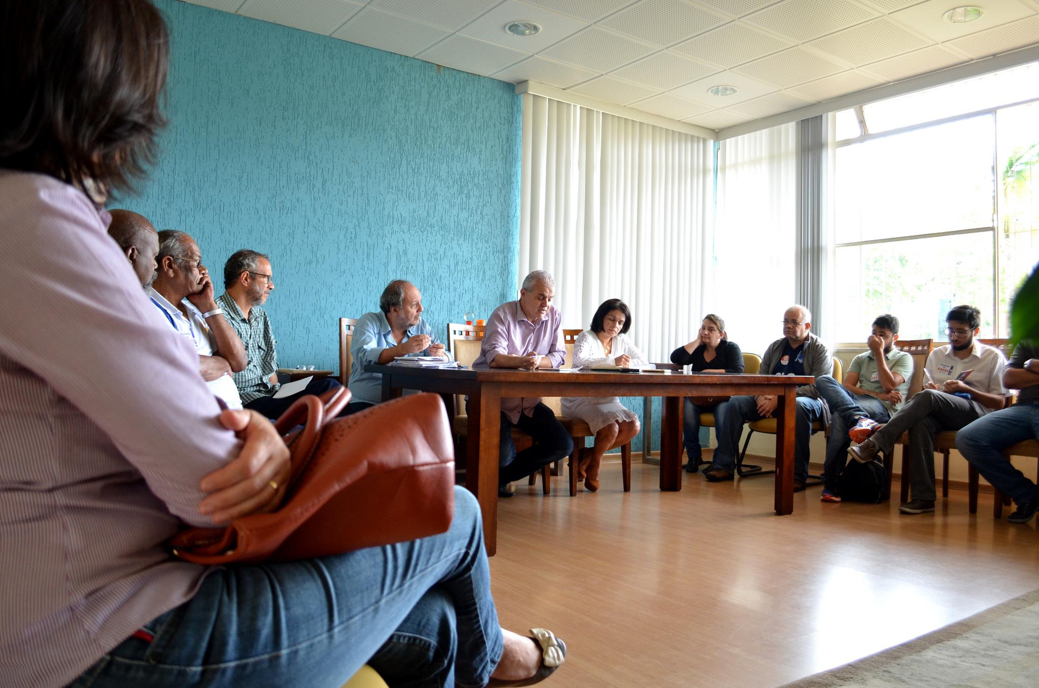 reunião Reitor Marcus David e comando de greve Sintufejuf Foto Twin Alvarenga