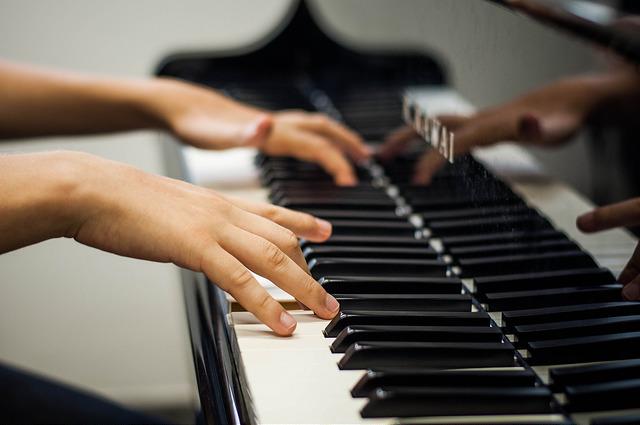 curso_de_musica_foto_generica_piano__foto_de_Caique_Cahon_UFJF