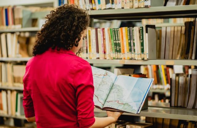 Biblioteca oferece milhares de títulos