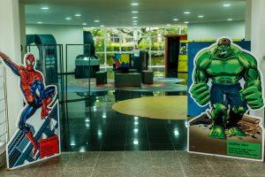 Salões já estão montados com exposições que serão abertas ao público (Foto: Ciro Cavalcanti/UFJF)