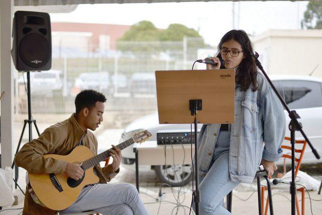 Música, exposição e poesias marcaram a primeira edição do projeto (Foto: Twin Alvarenga)