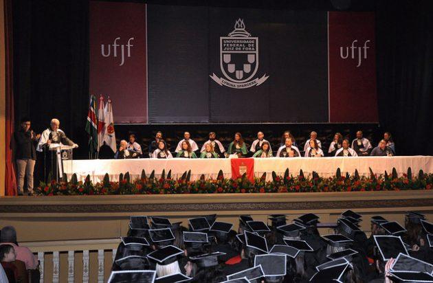 Cerimônias reuniram alunos de mais de 20 cursos de Ciências Humanas e de Sociais Aplicadas (Foto: Alexandre Dornelas)