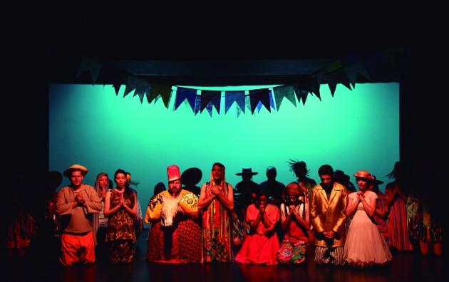 O espetáculo proporciona um mergulho à cultura do nosso país e também traz uma reflexão sobre questões éticas e morais que permeiam a nossa sociedade(Foto: Divulgação)