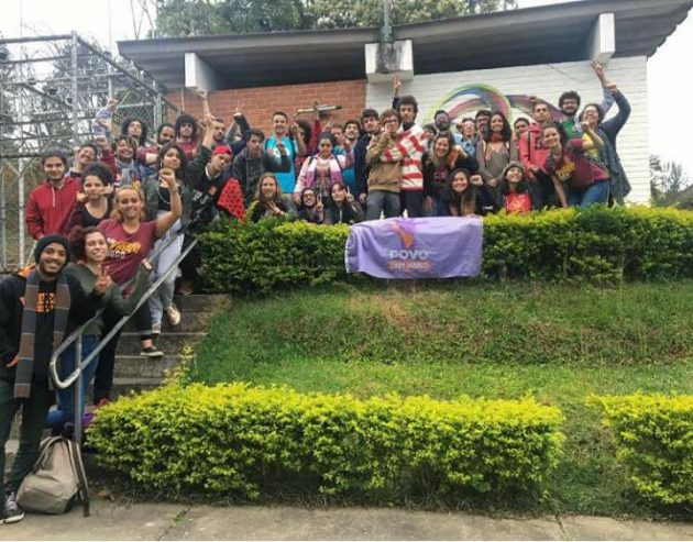 """Chapa """"O amanhã será nosso"""" passa a representar os estudantes da UFJF (Foto: Ana Paula Vieira Guerra)"""