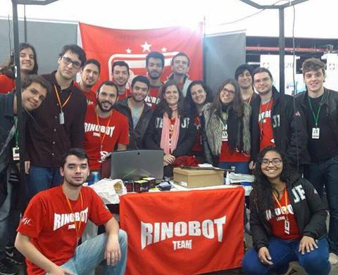 Alunos alcançaram a primeira colocação na categoria Standard Platform League (Foto: Divulgação)
