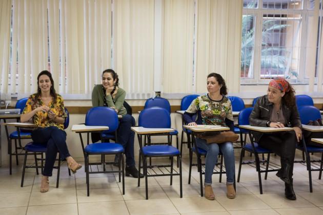 No curso, que teve duração de 45 horas,  participantes discutiram, ao longo do ano,suas práticas de ensino nas escolas onde atuam (Foto: Gustavo Tempone)