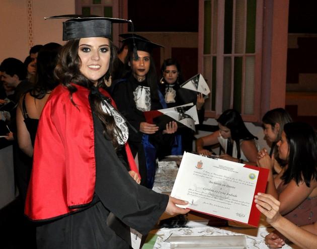 UFJF é a única instituição que entrega o diploma na solenidade de colação (Foto: Alexandre Dornelas)
