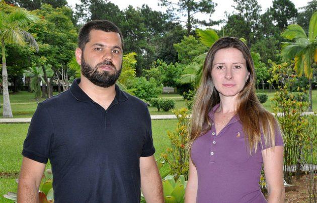 Pelo nono ano consecutivo, membros do Laboratório de Ecologia Aquática são publicados na revista Nature; a última edição contém os artigos dos pesquisadores Nathan Barros e Raquel Mendonça (Foto: Alexandre Dornelas)
