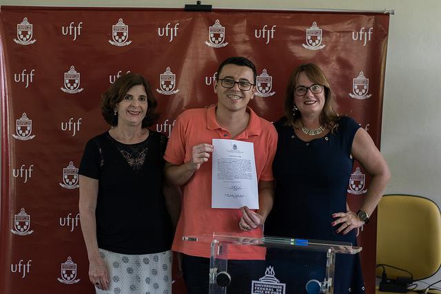 Um contador e dois assistentes em educação atuarão em JF e GV (Foto: Gustavo Tempone/UFJF)