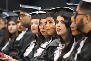 Emoção pela conquista e esperança nos discursos em defesa da luta pela universidade pública marcaram a solenidade em GV (Foto: Diretoria de Imagem Institucional - UFJF-GV)