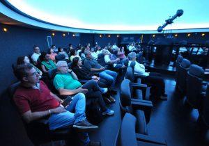 Conselho Superior da UFJF foi recebido pela equipe do Planetário para conhecer o espaço e assistir uma projeção (Foto; Alexandre Dornelas)