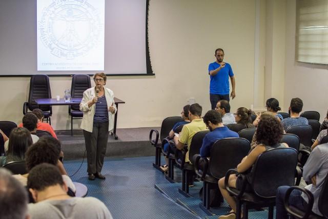 """Margarida Salomão: """"Nós temos que reforçar a escola pública e, para fazer isso, uma boa providência seria cumprir o Plano Nacional de Educação"""" (Foto: Gustavo Tempone/UFJF)"""