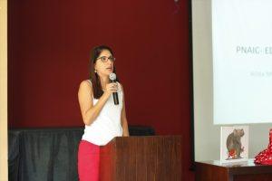 Rita Araújo destaca a importância de estimular a curiosidade e ampliar o conhecimento de mundo dos estudantes  (Foto: Caroline Crovato)