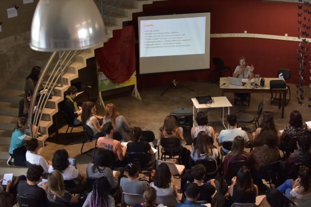 Semana de Arquitetura - professora Beatriz Teixeira (Foto: Gustavo Tempone)
