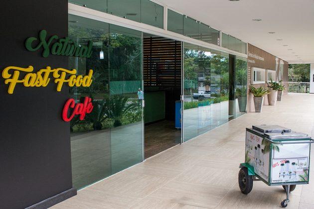 Centro de Vivência já funciona com lanchonete, cafeteria e restaurante (Foto: Gustavo Tempone/UFJF)