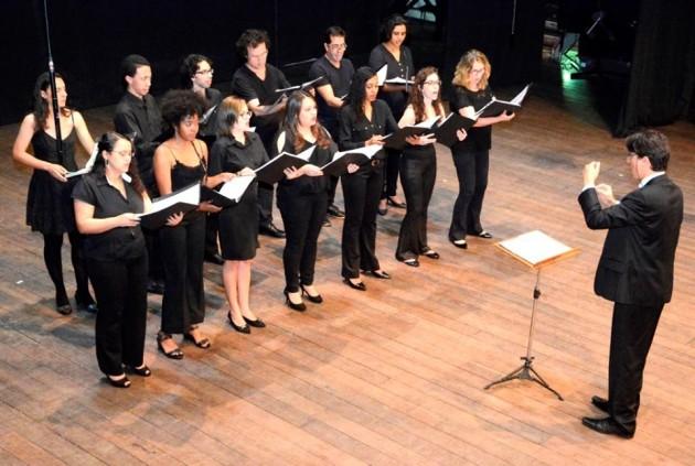 Coral Acadêmico em apresentação em uma das edições do Festival Internacional de Música Colonial Brasileira e Música Antiga (Foto: Arquivo/UFJF)