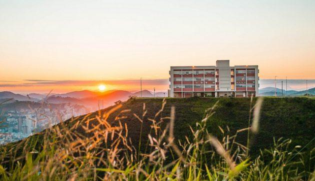 Três cursos são avaliados como os melhores do país e 11 com nota máxima no Enade (Foto: Caique Cahon)