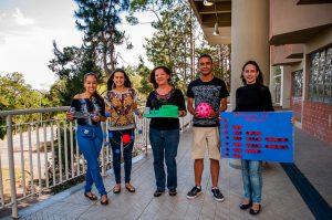 O projeto também abre espaço para materiais voltados não somente para estudantes cegos, como também para surdos (Foto: Géssica Leine)