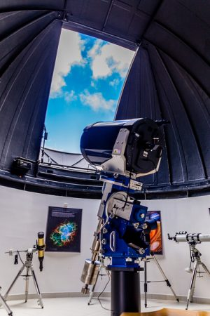 Telescópio fixo de 20 polegadas é o maior do Centro (Foto: Ciro Cavalcanti/UFJF)