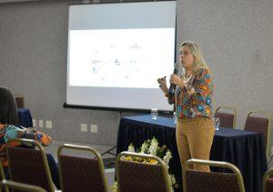 A palestrante Christianne Leal frisou a importância da Diretriz Brasileira de Obesidade (Foto: Twin Alvarenga)