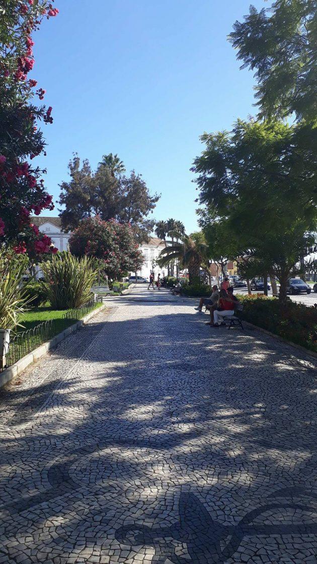 A vida calma da cidade litorânea de Faro onde Polyana estuda (Foto: arquivo pessoal)