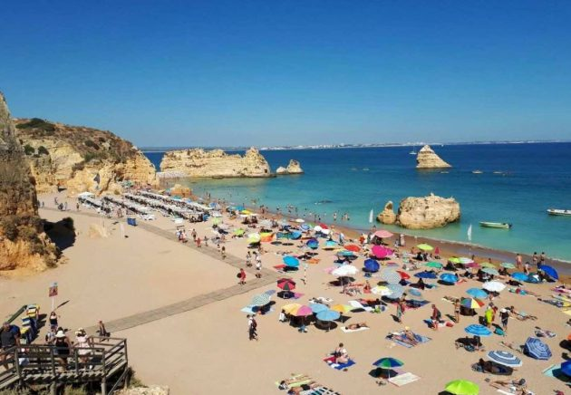 A universidade organizou passeio para a cidade de Lagos, que tem as praias mais bonitas da região do Algarve (Fotos: arquivo pessoal)