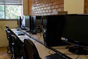 Atualmente, o curso está concluindo seu próprio data center (Foto: Fayne Ferrari)