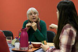Berta Granja fez palestra na Faculdade de Serviço Social e também foi  recebida pela diretora de Relações Internacionais, Bárbara Daibert (Foto: Gustavo Tempone/UFJF)