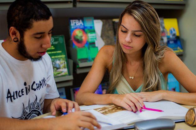 Especialistas reúnem técnicas para quem tem dificuldades em se concentrar nos estudos (Foto: Géssica Leine/UFJF)