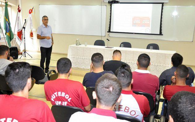Acordo possibilita participações do projeto da Faefid em campeonatos mineiros sub-17 e sub-15 (Foto: Alexandre Dornelas/UFJF)