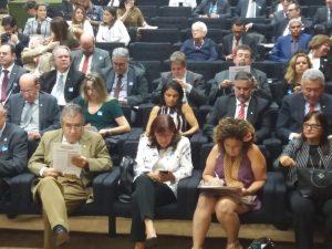 Além de parlamentares, evento reuniu Andifes, Andes-SN, Proifes, Fasubra e UNE