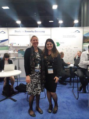 Com a chefe do escritório internacional da Universidade de Passau, Stephanie Dallmeier, a diretora Bárbara Daibert reativou acordo (Foto: Arquivo pessoal)