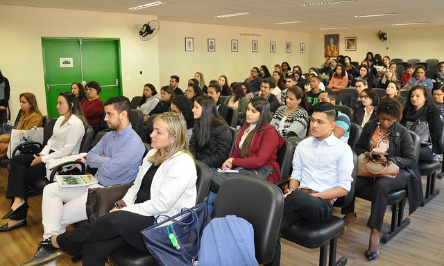 Participantes divulgam e discutem resultados de pesquisas e projetos na área (Foto: Alexandre Dornelas/UFJF)