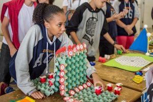 Evento conta com palestras, mesas redondas, competições, oficinas e feira de ciências (Foto: Gustavo Tempone/UFJF)