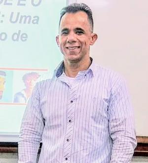 Professor Delmar Gomes, da Faculdade de Enfermagem da UFJF (Foto: Arquivo pessoal)